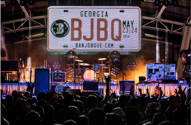 BanjoBque Stage Front